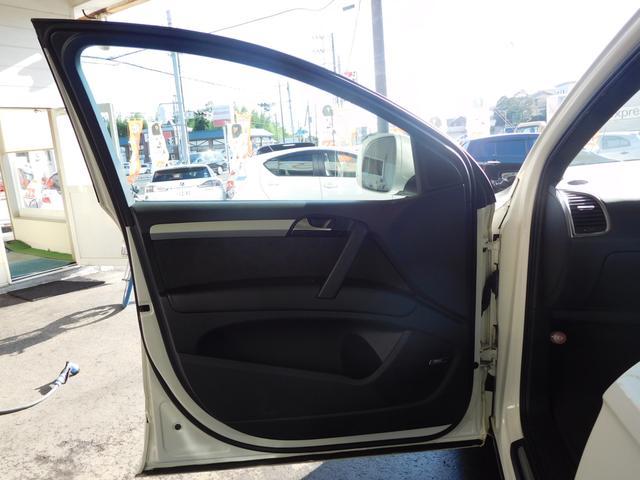 「アウディ」「アウディ Q7」「SUV・クロカン」「千葉県」の中古車52