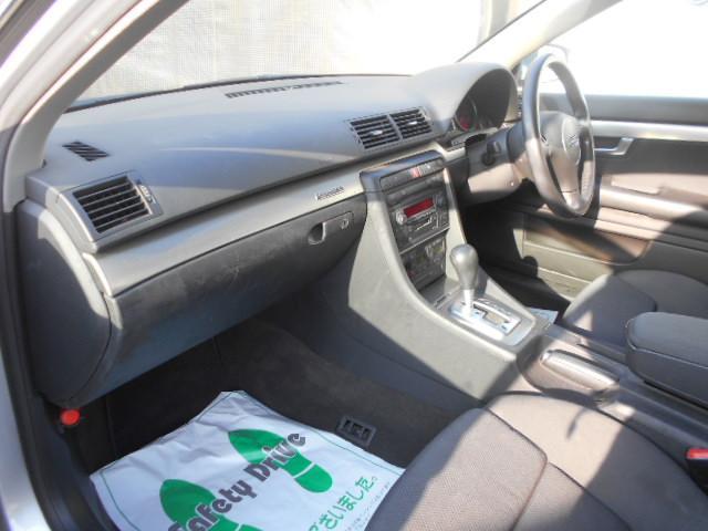 アウディ アウディ A4アバント 1.8Tクワトロ 新品ナビTV 記録簿 キーレス 4WD
