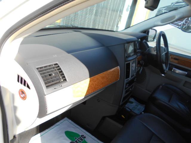 「クライスラー」「クライスラー グランドボイジャー」「ミニバン・ワンボックス」「神奈川県」の中古車28