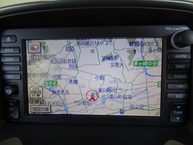 iL-D 禁煙車 サンルーフ 本革シート ナビBカメラ シートヒーター クールボックス HID ETC フォグランプ 純正アルミ 記録簿 4WD(17枚目)