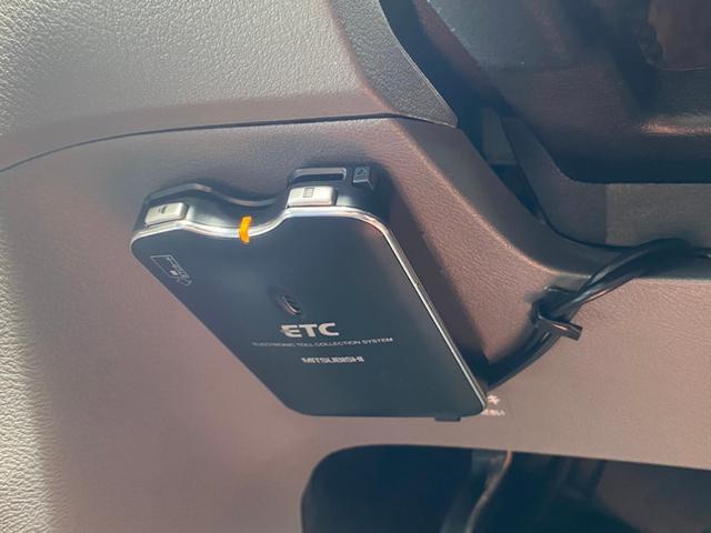 X 記録簿 HDDナビ 地デジ ETC キーレス バックカメラ 電動格納ミラー DVD AM/FM オートエアコン フルフラットシート(11枚目)