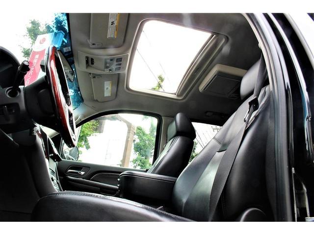 キャデラックエスカレード AWD 4WD 純正22AW サンルーフ  pioneerオーディオユニット セカンドベンチシート ETC Bluetooth 地デジ フルセグ
