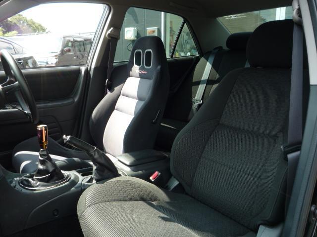 RS200 リミテッドII 6速マニュアル HKSマフラー TRDシート 社外足廻り 17インチアルミ HDDナビ地デジTV キセノンライト MOMOステアリング(6枚目)