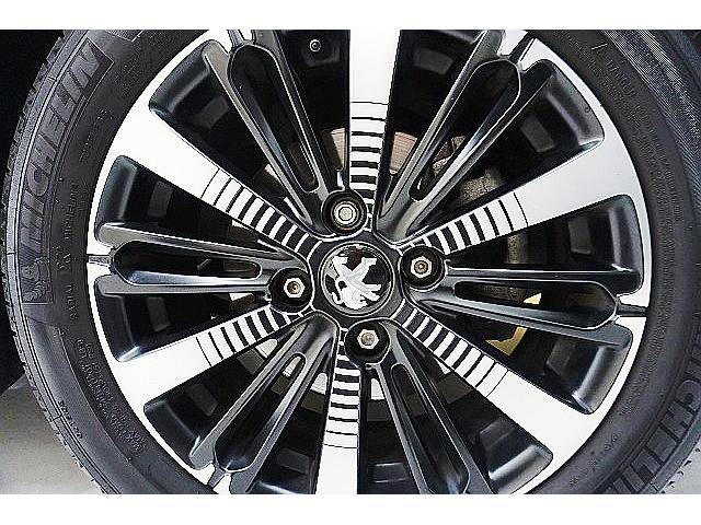 アリュール ファンエディション 特別仕様車/OP・ガラスルーフ&室内LED/アップルカープレイ/自動駐車&バックカメラ&前後センサー/ブラック16アルミ/クロームエクステリア/軽減ブレーキ/LEDイルミ/新車保証付/1オーナー禁煙車(40枚目)