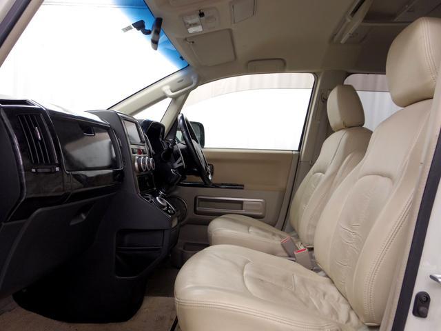 三菱 デリカD:5 G プレミアム HDDナビTV外16AW外マフラーカスタム車