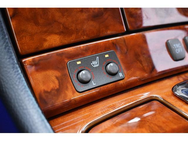eR仕様 後期モデル・黒革・サンルーフ・LOWSTYLE・20inクラブリネアL566アルミホイール・メッキピラー・クルコン・メモリーパワーシート・シートヒーター純正ナビ・バックモニター(31枚目)
