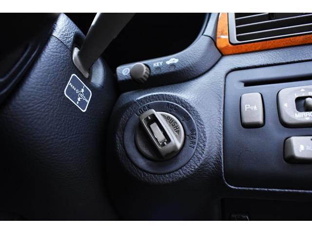 eR仕様 後期モデル・黒革・サンルーフ・LOWSTYLE・20inクラブリネアL566アルミホイール・メッキピラー・クルコン・メモリーパワーシート・シートヒーター純正ナビ・バックモニター(34枚目)