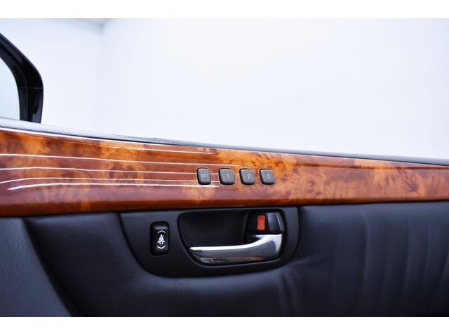 eR仕様 後期モデル・黒革・サンルーフ・LOWSTYLE・20inクラブリネアL566アルミホイール・メッキピラー・クルコン・メモリーパワーシート・シートヒーター純正ナビ・バックモニター(35枚目)