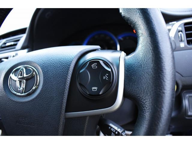 ステアリングより各種設定や、ワンタッチにて電話応対が可能となっております。