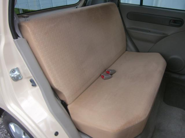 後席シートです!こちらも前席と同様にキレイです♪