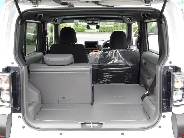 ≪ラゲージスペース≫ 後席シートの背もたれは左右で分割されておりますので、乗車人数や荷物に合わせたアレンジが可能です!