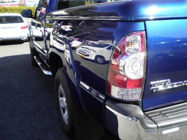 米国トヨタ タコマ アクセスキャブ プレランナーSR5 新車並行