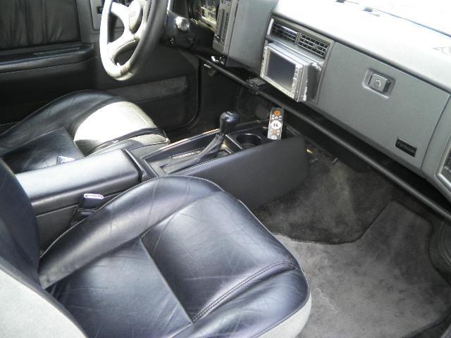GMC GMC タイフーン 新車並行 4WDターボ