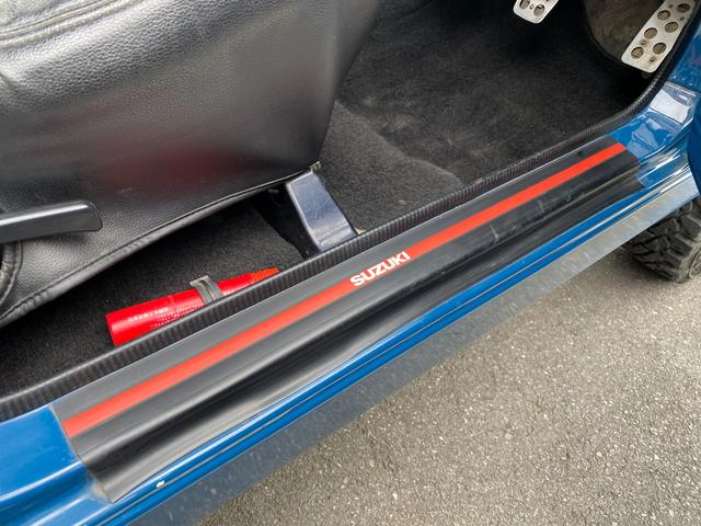 HC 3型 2インチリフトアップ(シャックル・ショック交換) パワステ エアコン シートカバー セカンドシートスライドレール(APIO) 社外マフラー 社外16インチAW 社外テール 社外ステアリング(18枚目)