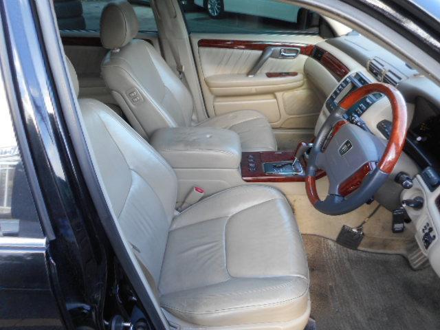 トヨタ クラウンマジェスタ 4.0Cタイプ 本革シート サンルーフ レグザス20インチ