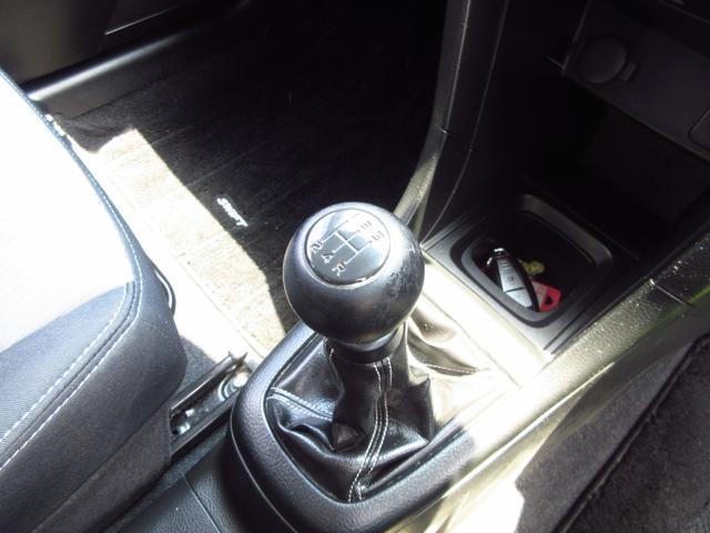 RS 5速マニュアル車 スマートキー 革ハンドル 純正16AW HIDライト フォグライト(48枚目)
