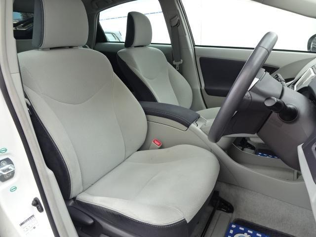 トヨタ プリウス S LEDエディション メモリーナビ地デジBカメラ寒冷地仕様