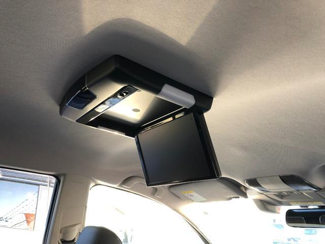 アルパイン製天井モニター付きです。海外製の安物ではございません!