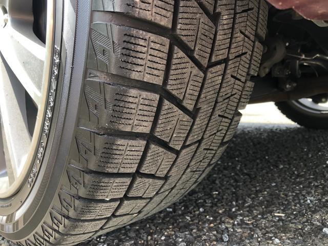 タイヤはヨコハマ製スタッドレスig60です。前後8〜9部山程度です。