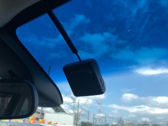 ハイブリッドアブソルート・ホンダセンシングEXパック 1年保証 1オーナー 禁煙車 黒革シート 両側電動スライド 全周囲モニター メーカーナビ 天井モニター カーテンSRS ソナー シートヒーター ドラレコ フルセグ USB HDMI ブルートゥース(14枚目)