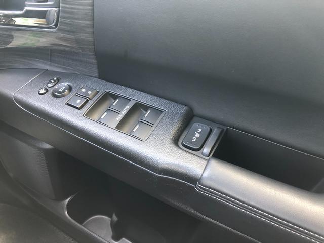 ハイブリッドアブソルート・ホンダセンシングEXパック 1年保証 1オーナー 禁煙車 黒革シート 両側電動スライド 全周囲モニター メーカーナビ 天井モニター カーテンSRS ソナー シートヒーター ドラレコ フルセグ USB HDMI ブルートゥース(16枚目)