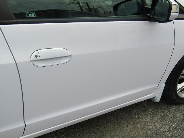 L ワンオーナー車 キーレスエントリー 純正15インチアルミホイール キセノンライト オートライト 電動格納ウィンカーミラー 純正2DINオーディオ AUX接続 フロアマット サイドバイザー(37枚目)