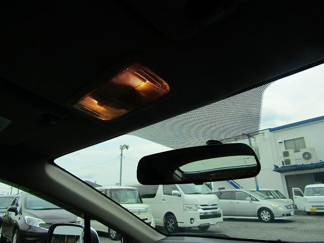 L ワンオーナー車 キーレスエントリー 純正15インチアルミホイール キセノンライト オートライト 電動格納ウィンカーミラー 純正2DINオーディオ AUX接続 フロアマット サイドバイザー(58枚目)