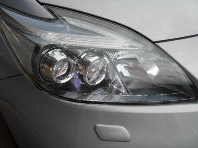 LEDヘッドライトは、夜道を明るく照らし夜間走行の精神的負担を和らげてくれます。