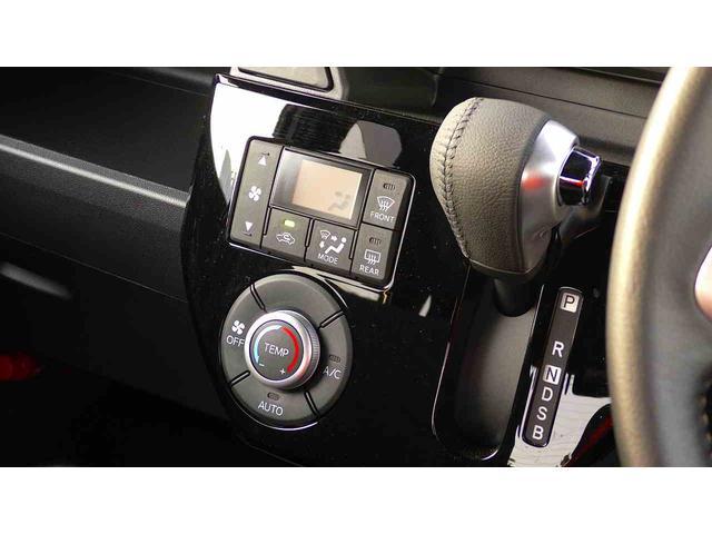 GターボリミテッドSAIII スマートアシストIII LEDフォグ&ヘッドランプ 両側パワースライドドア ステアリングコントローラー スマートキー&プッシュスタート アイドリングストップ ヒルスタートアシスト 本革巻きステアリング(12枚目)
