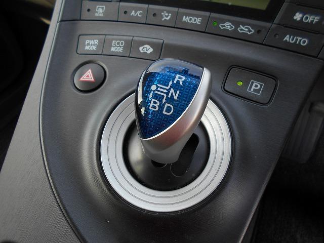 メンテパックは点検だけでなく、オイル交換、オイルエレメント交換、フロントガラス撥水加工、タイヤローテーション、ワイパーブレード交換が含まれています。ご購入後も安心です。