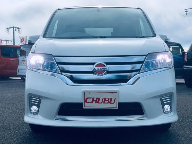 HIDヘッドライト搭載車です。暗闇でも前方をくっきりと照らしてくれるので、夜の運転でも安心☆