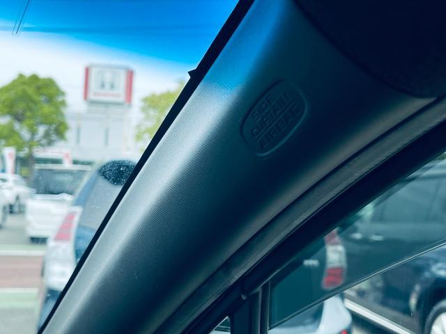 G・Lパッケージ Bカメ ブレーキサポート 衝突安全ボディ CD ベンチシート Bluetooth クルーズコントロール アイドリングストップ ETC オートライト キーレス 盗難防止システム DVD 横滑り防止(16枚目)