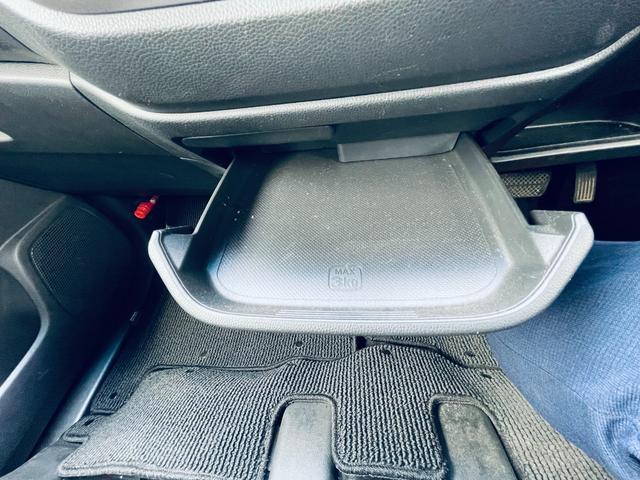 G・Lパッケージ Bカメ ブレーキサポート 衝突安全ボディ CD ベンチシート Bluetooth クルーズコントロール アイドリングストップ ETC オートライト キーレス 盗難防止システム DVD 横滑り防止(18枚目)