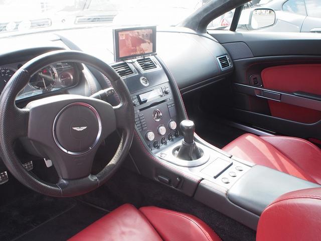 アストンマーティン アストンマーティン V8ヴァンテージ カーボンエアロパッケージ クライスジーク可変マフラー HDD