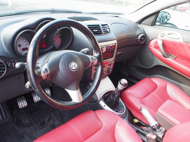 アルファロメオ アルファGT 3.2 V6 24V左ハンドル6速MT 社外エアロ地デジナビ