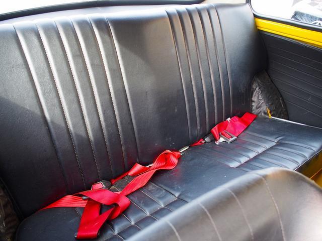 年式の割には綺麗なRシート。