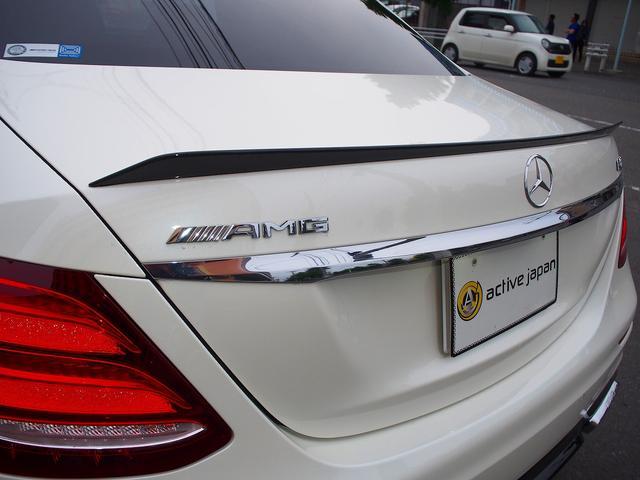 E63 S 4マチック+ AMGカーボンセラミックブレーキ AMGビッグキャリパー AMG専用鍛造20インチホイール フルオプションカーボンボディキット+カーボンインテリア セーフティドライブ オプションフル 保証書取説(24枚目)