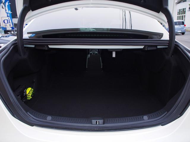 E63 S 4マチック+ AMGカーボンセラミックブレーキ AMGビッグキャリパー AMG専用鍛造20インチホイール フルオプションカーボンボディキット+カーボンインテリア セーフティドライブ オプションフル 保証書取説(28枚目)