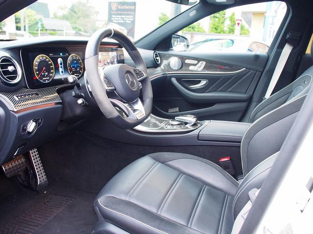 E63 S 4マチック+ AMGカーボンセラミックブレーキ AMGビッグキャリパー AMG専用鍛造20インチホイール フルオプションカーボンボディキット+カーボンインテリア セーフティドライブ オプションフル 保証書取説(33枚目)