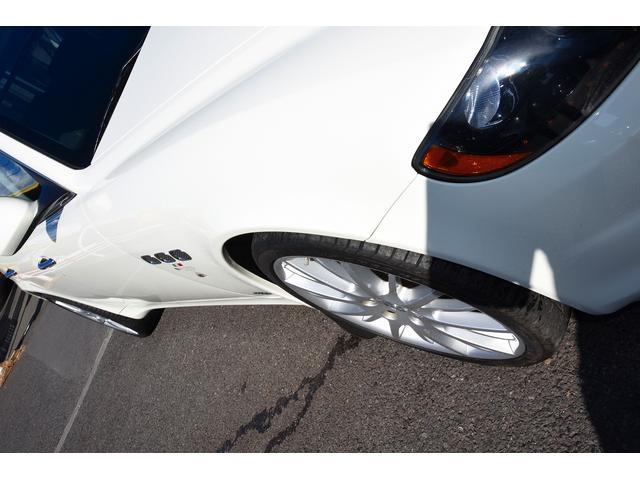S 後期型モデルディーラー車 クライスジーク可変マフラー 20AW レッドキャリパー 左ハンドル サンルーフ レザーシート HDDナビ HIDライト LEDFテールレンズ 記録簿取説(9枚目)