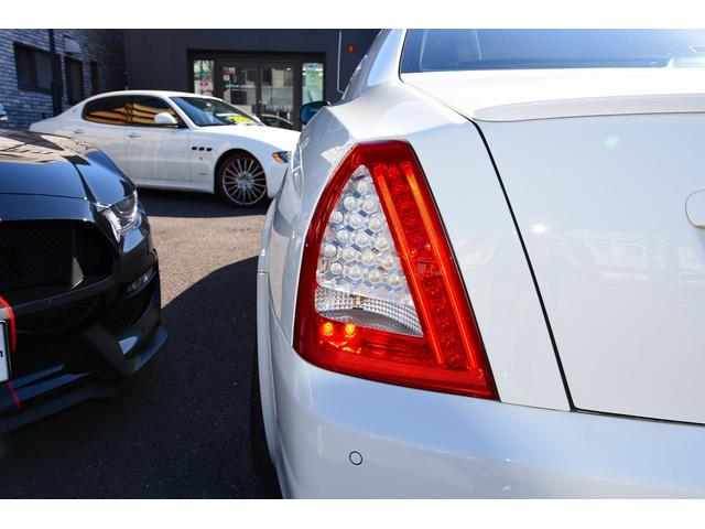 S 後期型モデルディーラー車 クライスジーク可変マフラー 20AW レッドキャリパー 左ハンドル サンルーフ レザーシート HDDナビ HIDライト LEDFテールレンズ 記録簿取説(15枚目)