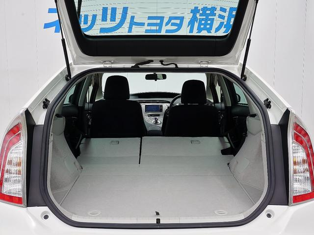 「トヨタ」「プリウス」「セダン」「神奈川県」の中古車16