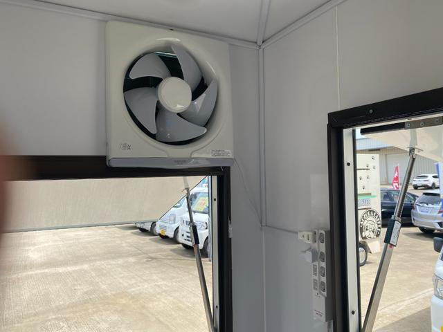 DX 新規製作シェルBOX ワイヤレスバックカメラ標準 小型オゾン空気清浄機 天井床断熱材使用 外部電源引込線 内装一式 ステンレス大型2層シンク 電動給水システム 換気扇 大型LED照明 保健所対応可(19枚目)