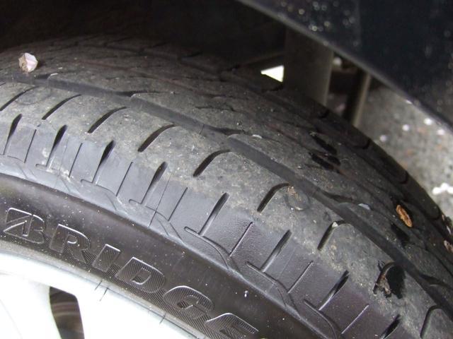 タイヤはブリヂストン製で山もまだまだ残っています♪