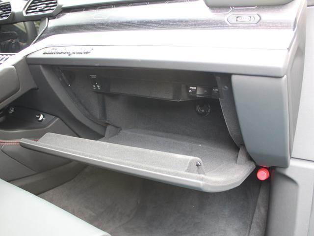 「ランボルギーニ」「ランボルギーニ ウルス」「SUV・クロカン」「東京都」の中古車28