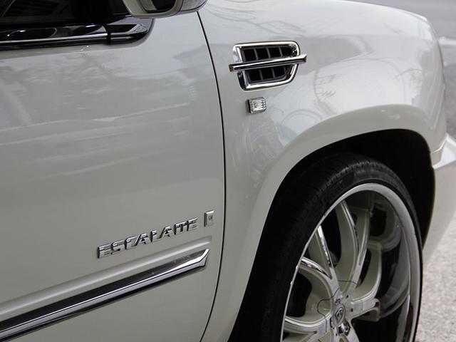キャデラック キャデラック エスカレード ラグジュアリー 新車並行 レクサーニ26AW マフラー