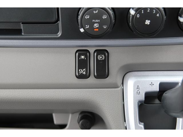 全低床 全低床 標準ボディ 積載2t 総重量5t未満 4P10+エンジン アクティブサイドガードアシスト 衝突軽減ブレーキ 車両逸脱装置 スマートキー LEDライト(8枚目)