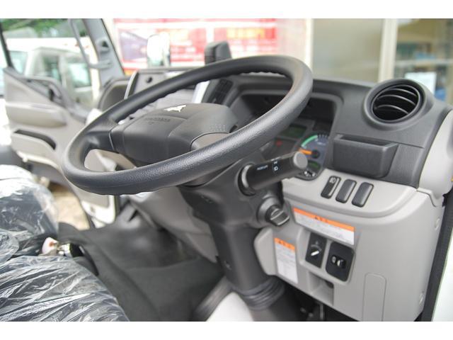 全低床 全低床 標準ボディ 積載2t 総重量5t未満 4P10+エンジン アクティブサイドガードアシスト 衝突軽減ブレーキ 車両逸脱装置 スマートキー LEDライト(31枚目)