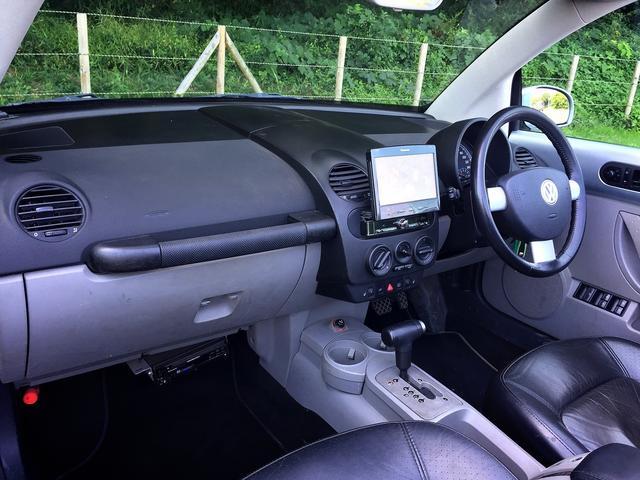 フォルクスワーゲン VW ニュービートルカブリオレ 車高調・社外テール・レザー・キーレス・ETC・HDDナビ