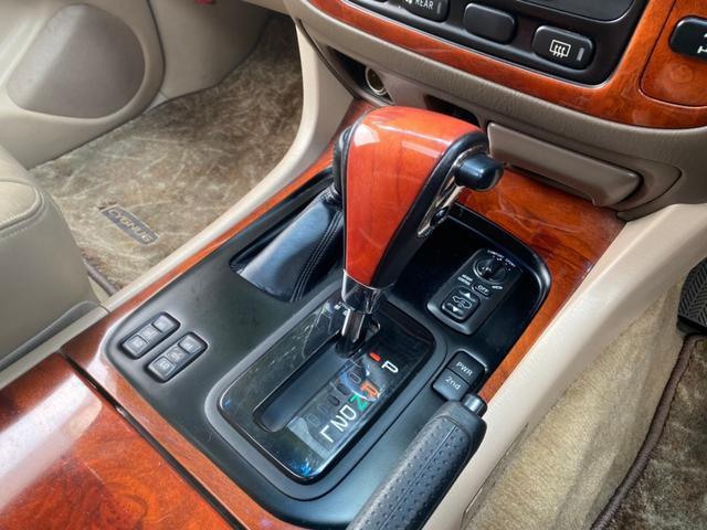 シグナス ロデオドライブ22インチAW・ガナドールマフラー・サンルーフ・HDDナビ・フルセグ・バックカメラ・シートヒーター・HIDライト・ベージュレザーシート・オーバーフェンダー・ルーフレール・ETC(10枚目)